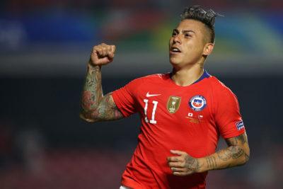 Eduardo Vargas alcanzó los 85 partidos con la Roja e igualó a Leonel Sánchez