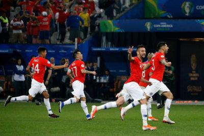 VIDEO | Gary Medel mostró la intensa celebración en el camarín de la Roja