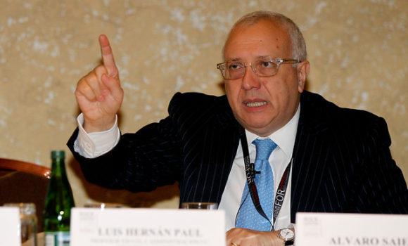 Álvaro Saieh pide autorización a la FNE para comprar el 100% de Copesa