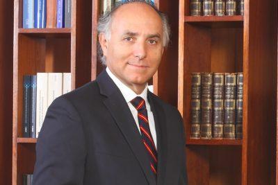 Los conflictos que hicieron renunciar a Teodoro Ribera en el primer gobierno de Piñera