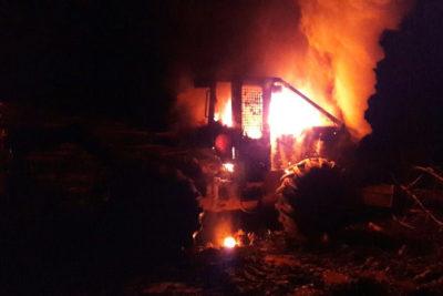 Nuevo ataque incendiario en La Araucanía: queman tres maquinas en Collipulli