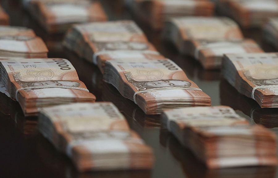 Estudio: 140 millonarios posee el 20% de la riqueza en Chile