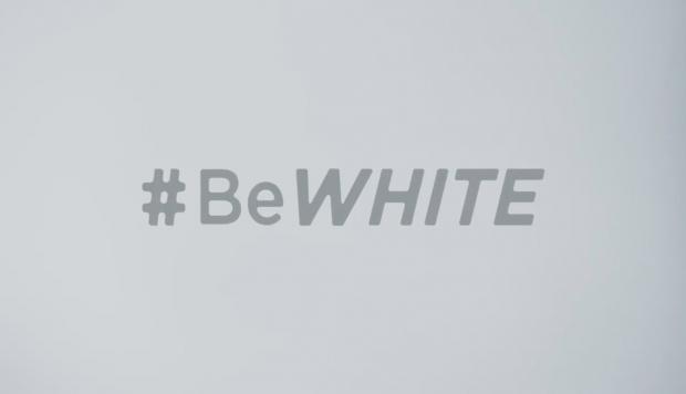 Empresa suspende publicidad para detergentes tras acusaciones de racismo