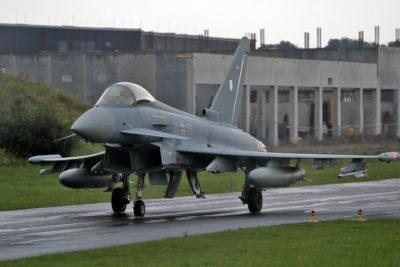 Dos aviones caza chocaron y cayeron sobre zonas pobladas en Alemania