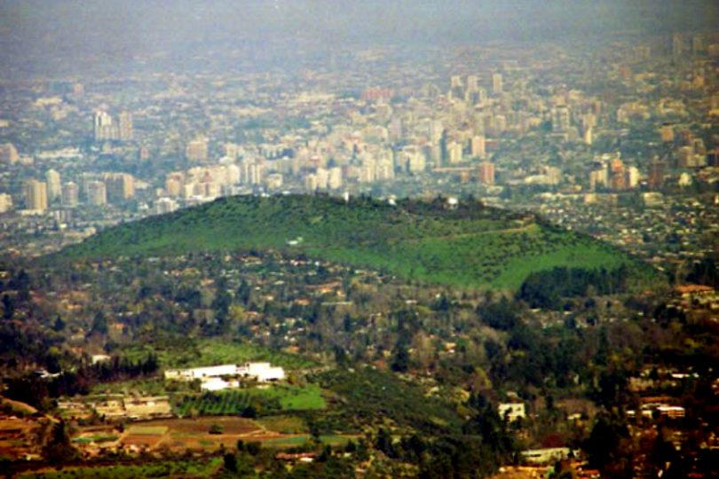 Universidad de Chile responde a críticas por uso de Cerro Calán