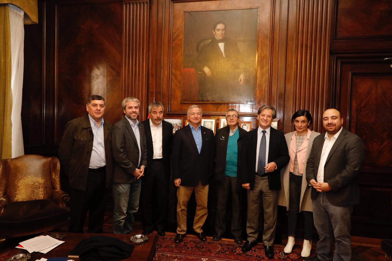 DC y Gobierno firman protocolo por reforma tributaria
