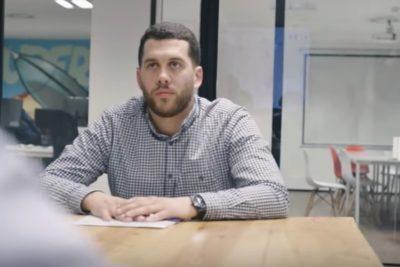 VIDEO   Hombre de 59 años consiguió trabajo gracias al video viral de su hijo