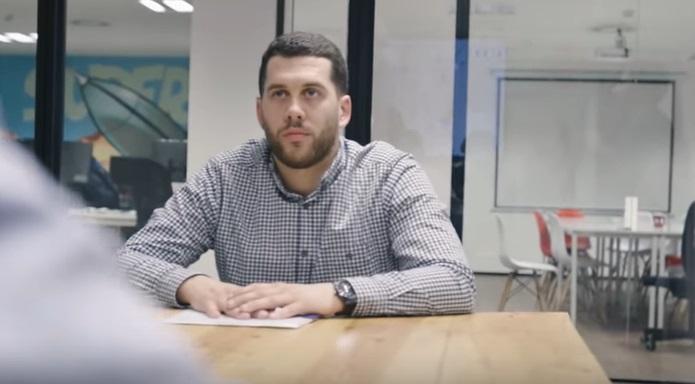 VIDEO | Hombre de 59 años consiguió trabajo gracias al video viral de su hijo
