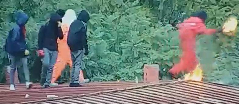 VIDEO | Instituto Nacional: captan momento exacto en que joven se quema con bomba molotov