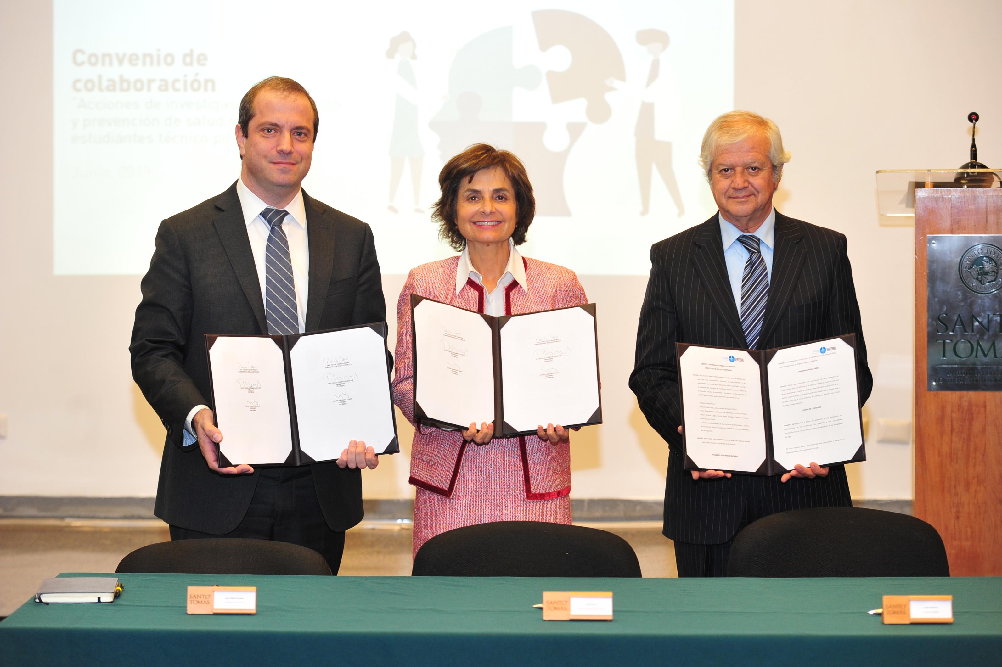 """""""Ministerio de Salud y Vertebral firman convenio para mejorar la salud mental de los estudiantes"""""""