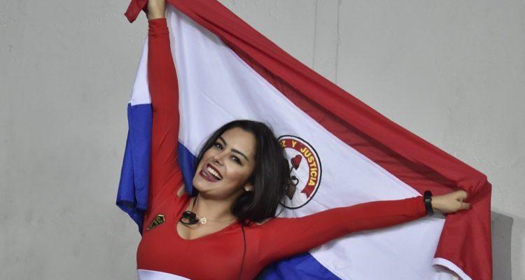 Larissa Riquelme a la esposa de Bravo: