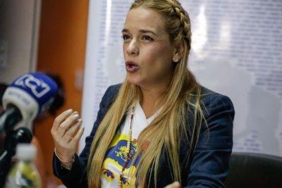 Lilian Tintori y su hija viajaron a España tras dejar la embajada en Caracas