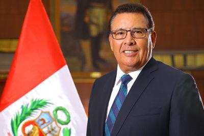 Ministro de Defensa de Perú murió por un infarto en pleno viaje oficial
