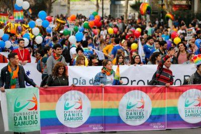 Movilh cifra en más de 100 mil los asistentes a la Marcha del Orgullo en Santiago