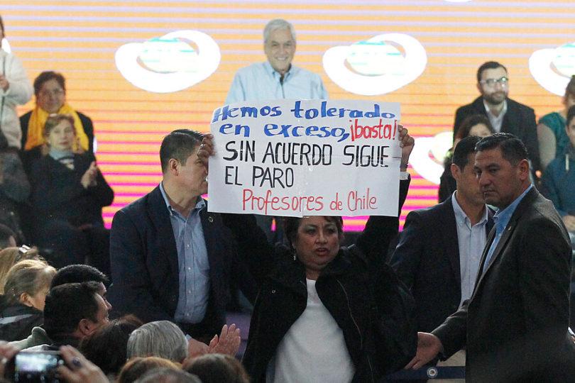 Piñera ante funa docente: