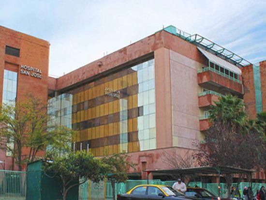 Trabajadores del Hospital San José se movilizaron denunciando colapso del recinto