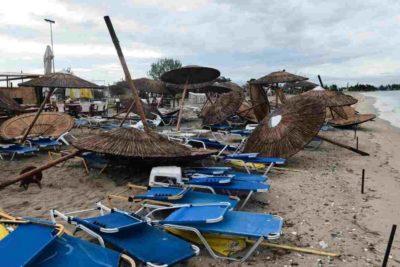 FOTOS   Grecia: Tornado con vientos de 100 kilómetros por hora deja seis turistas muertos y decenas de heridos