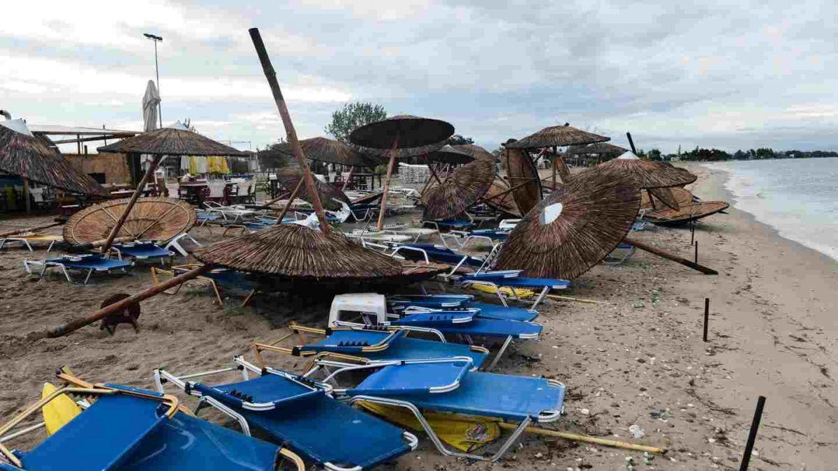"""""""FOTOS   Grecia: Tornado con vientos de 100 kilómetros por hora deja seis turistas muertos y decenas de heridos"""""""