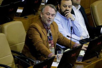 """Pepe Auth apretó mal el botón al votar Admisión Justa: """"Estaba cansadísimo"""""""