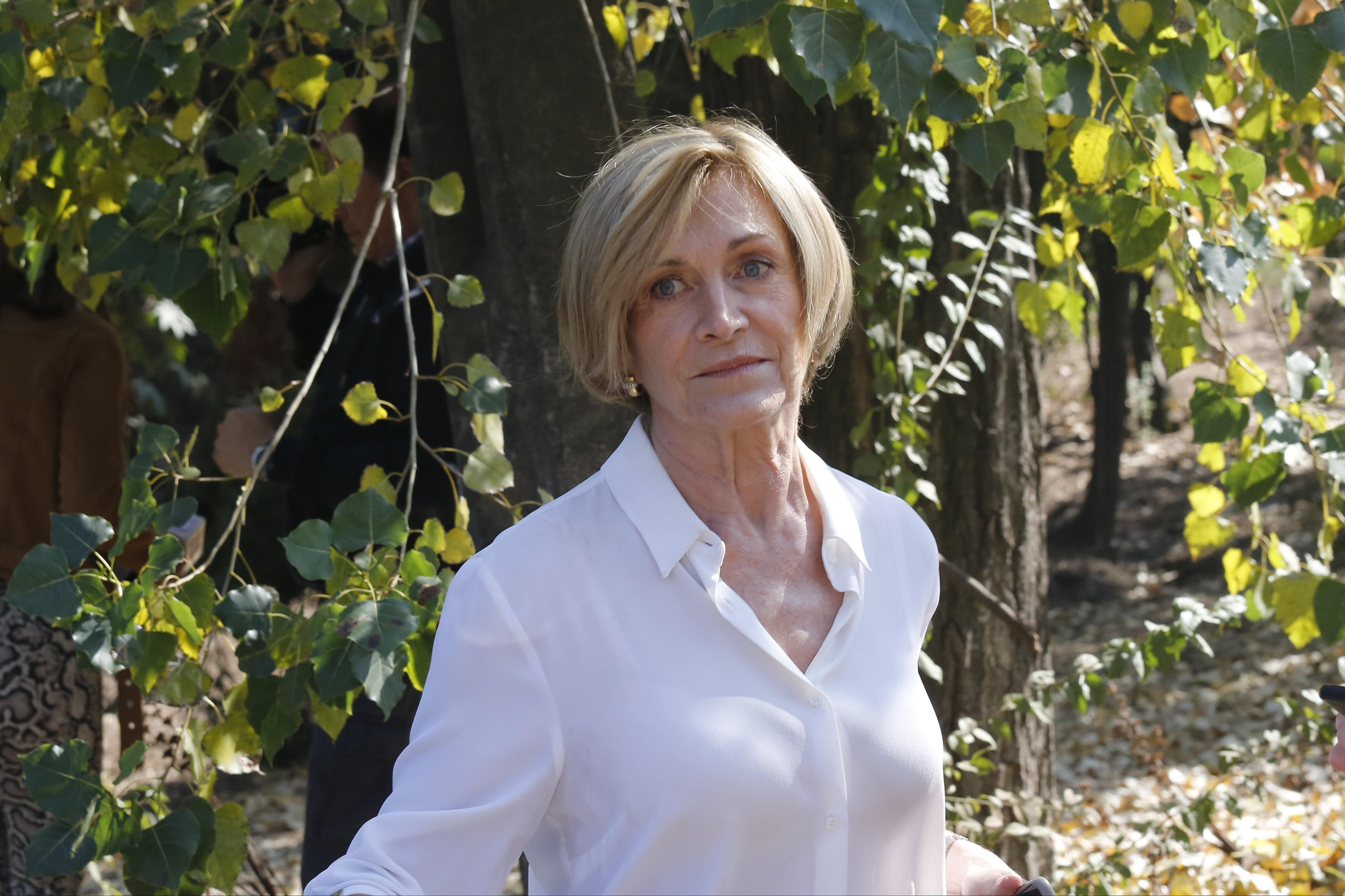 """""""Son unos frescos"""": Evelyn Matthei sale en defensa de locatarios ante detenciones por derechos de autor"""