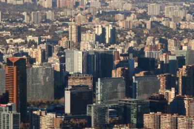 Precios de viviendas siguen subiendo: sectores medios lideran las alzas y Conchalí logra record