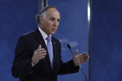 """Canciller por postura del PC sobre Venezuela: """"No le hace bien a Chile"""""""