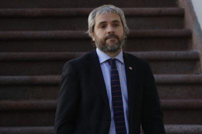"""Blumel a Valente: """"No por ser menos populista ministros están en el cargo, sino porque hacemos bien el trabajo"""""""