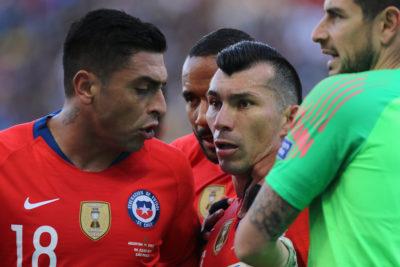 Esposa de Gary Medel denunció amenazas contra su familia durante el partido ante Argentina