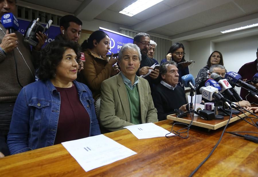 """""""Primer cómputo: Colegio de Profesores vota por continuidad del paro"""""""