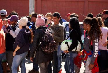 Justicia ordena al Gobierno cursar solicitudes de refugio de 23 cubanos