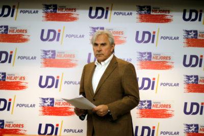 Moreira insiste con castración química a terroristas y violadores tras cita con Piñera
