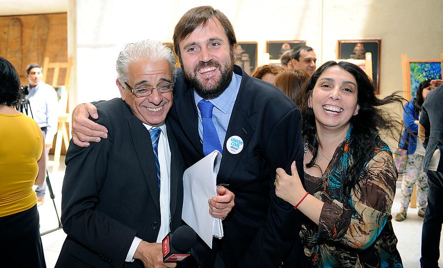 A los 57 años murió el destacado periodista de TVN, Fidel Oyarzo