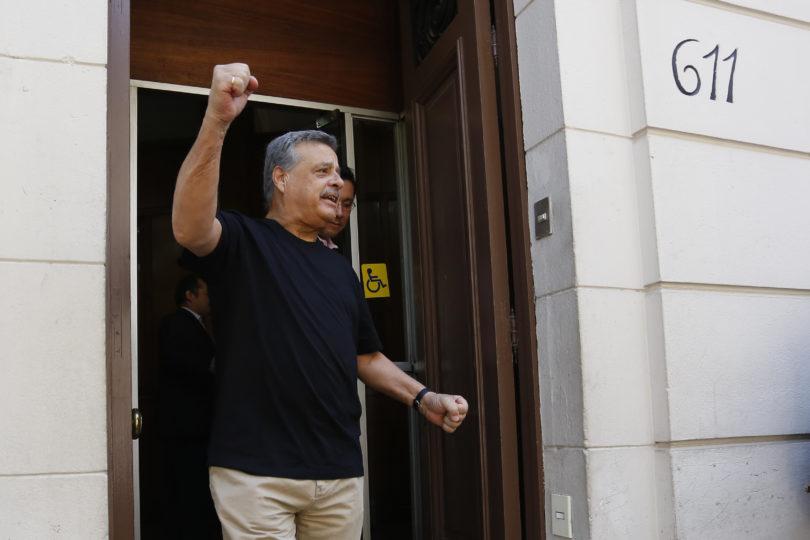"""Sergio Aguiló responde furioso al PC por comparación """"burda, falsa, ahistórica"""" de Maduro con Allende"""