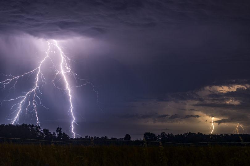 Meteorología anuncia posibles tormentas eléctricas en cinco regiones