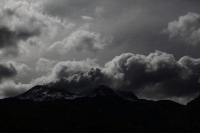 Sernageomin alertó de explosión y salida de material piroclástico en Nevados de Chillán