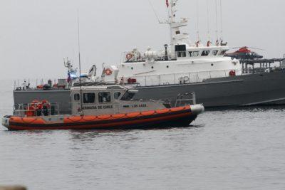Naufragó motonave con 38 personas a bordo en Aysén: habría un oficial fallecido