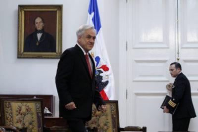 Piñera anuncia que antes que termine julio se pagarán licencias médicas pendientes