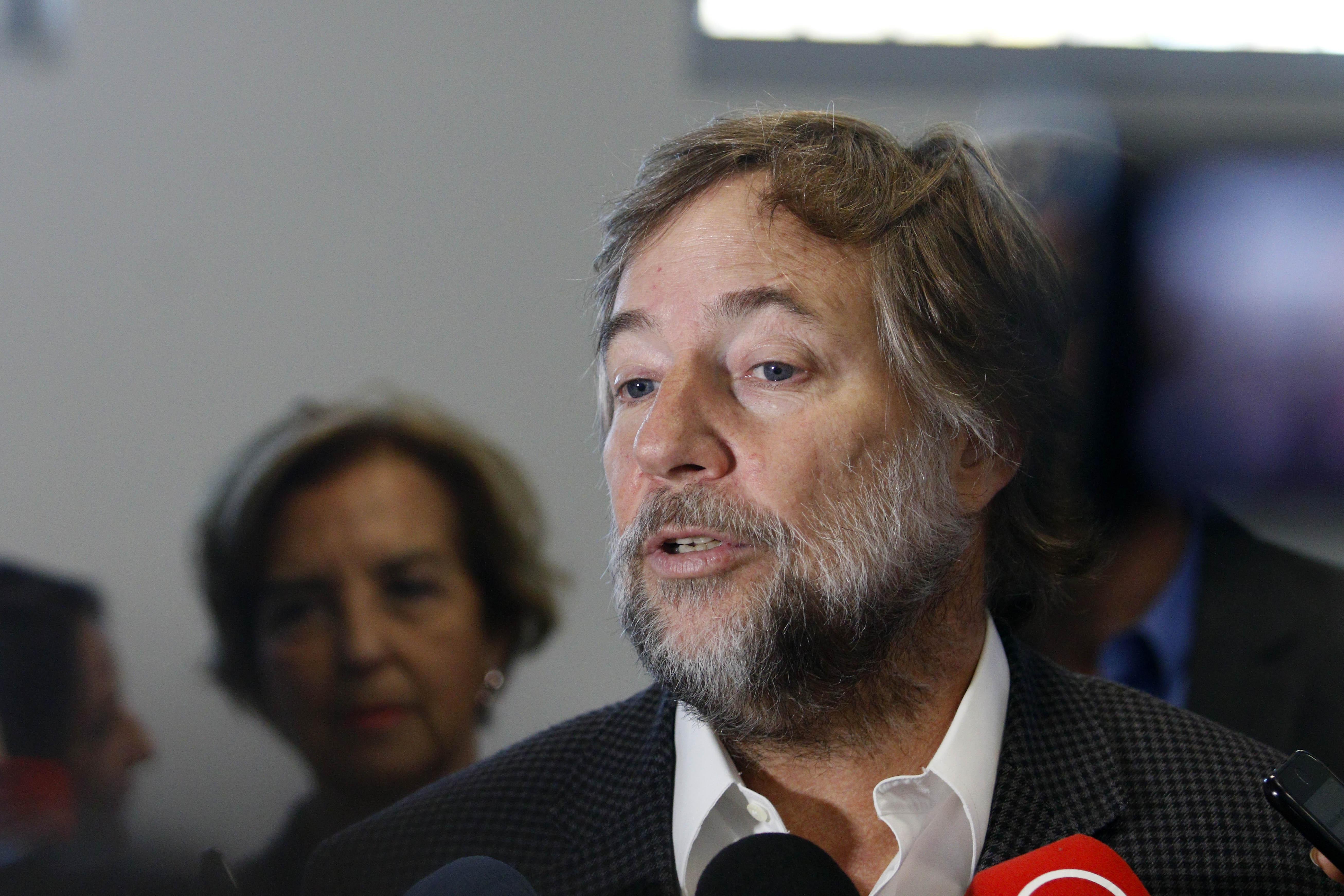 """""""Pedro Pablo Errázuriz y posible término de concesión a Essal:"""