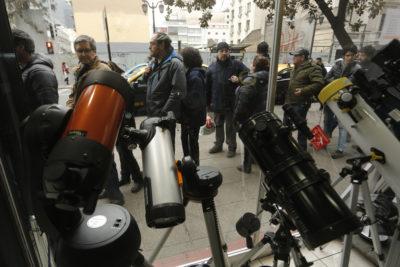 Eclipse solar: Gobierno teme que transmisiones en vivo con celulares colapsen las redes