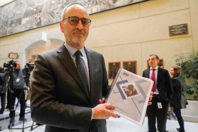 Diputado Saffirio pidió la renuncia del ministro de Justicia y el fiscal nacional por las muertes en el Sename