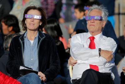 """Piñera llama a que profesores pongan """"en su corazón a los niños"""" de Chile"""