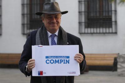 """Mañalich: """"Hemos llegado a las 21 mil licencias resueltas por el Compin"""""""