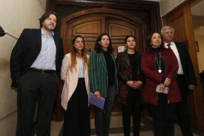 Pensiones: PS y PPD desmienten acuerdo y comisión suspendió votación