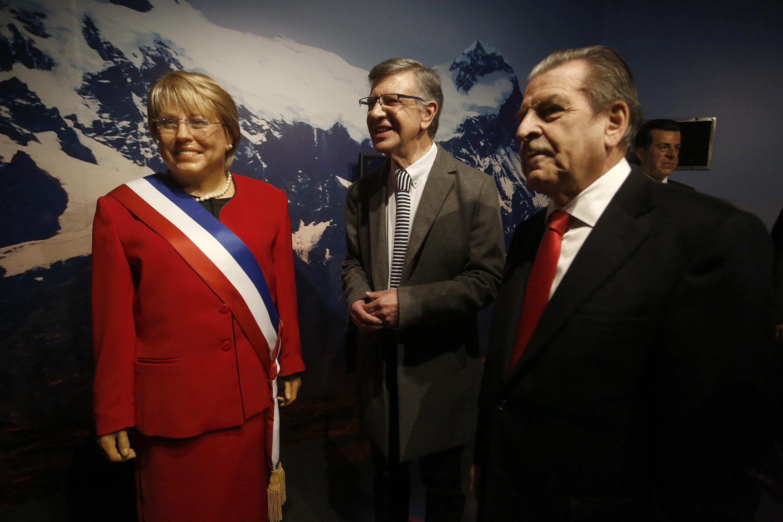 Joaquín Lavín aclara: escultor del Museo de Cera no fue despedido