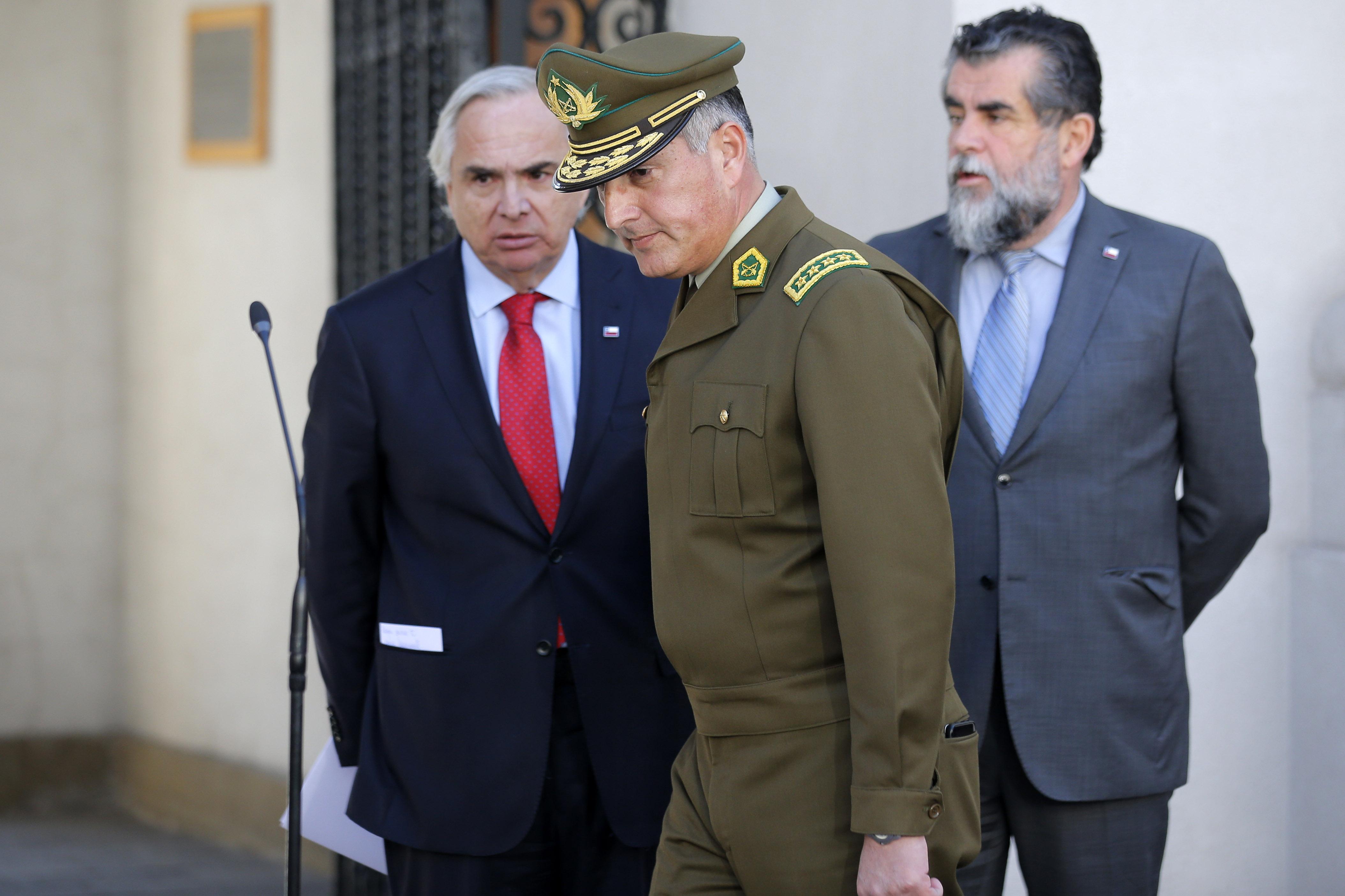 General director de Carabineros explica por qué acusados de torturas contra comerciantes no han sido dados de baja