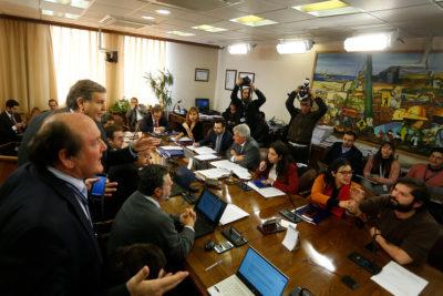 VIDEOS | La acalorada sesión de la Comisión del Trabajo donde se aprobó el proyecto de 40 horas semanales