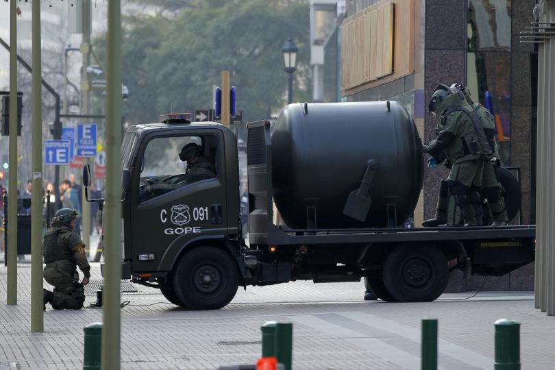 Fiscalía indaga uso de pólvora industrial en atentados de comisaría y Quiñenco