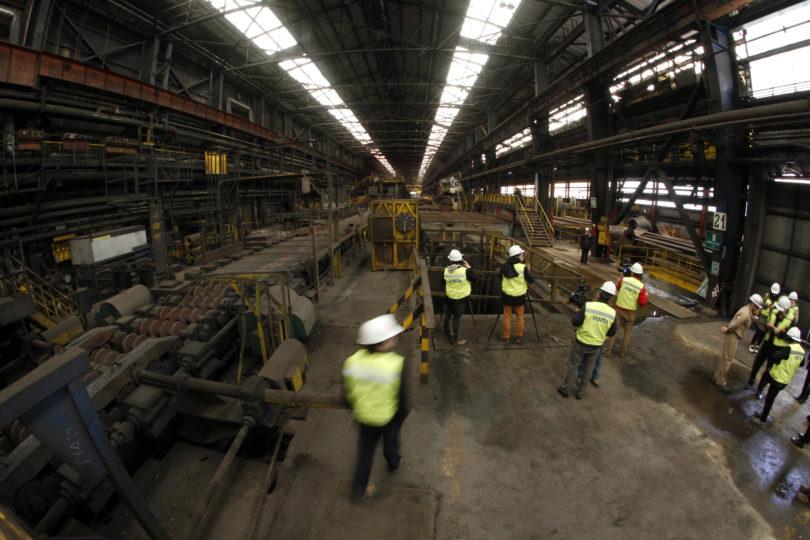 Producción industrial se contrajo 2,9% en un año con fuerte caída de manufactura