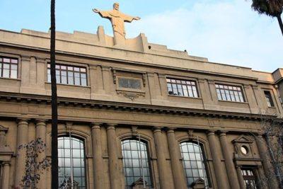 """U. Católica evalúa sumario contra FEUC por foro sobre """"sexo y bienestar"""""""