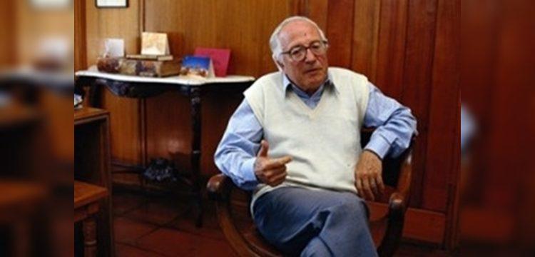 El testimonio que acusa al Premio Nacional de Educación Hugo Montes de abuso
